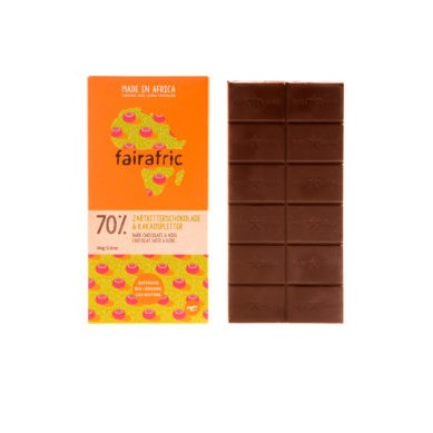 8 bars of 70% organic Dark Chocolate & Cocoa Nibs