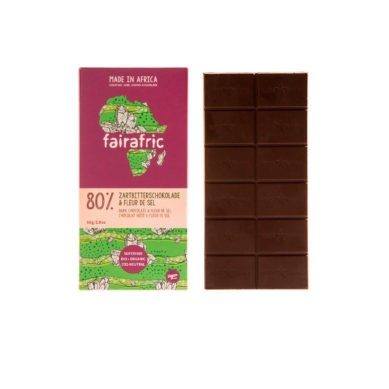 8 bars of 80% organic Dark Chocolate & Fleur de Sel