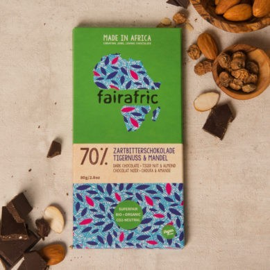 8 bars of 70% organic Dark Chocolate & Tigernut & Almond