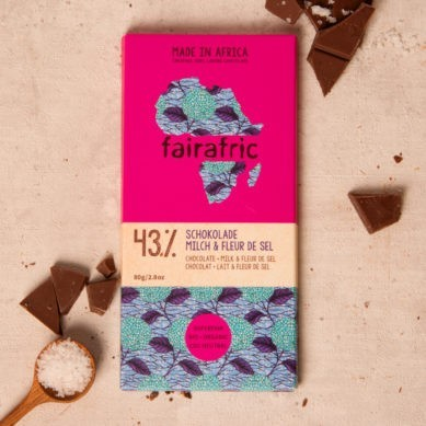 8 bars of 43% organic Chocolate with Milk & Fleur de Sel