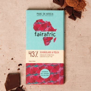 8 bars of 43% organic Chocolate with Pure Milk